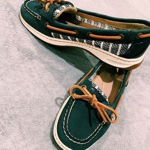 Sperry boat shoes slip on